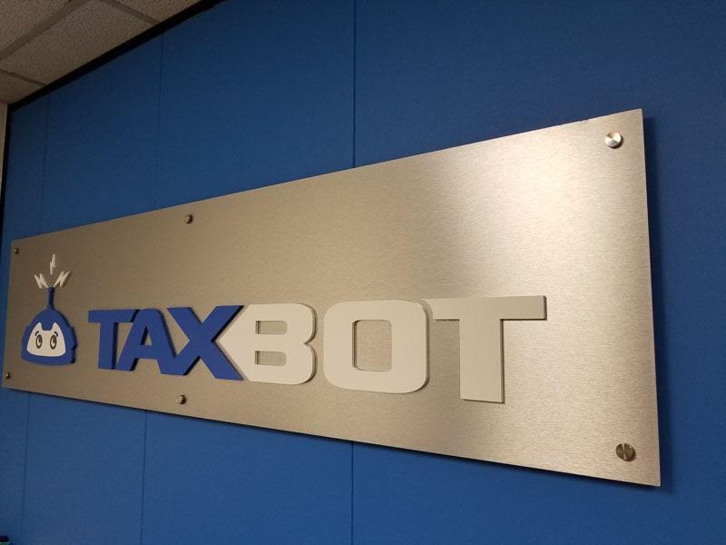plastic acrylic logo vinyl on aluminum taxbot-2