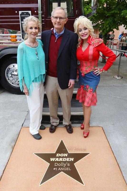 bronze metal plaque star concrete warden